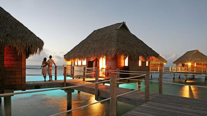 The 10 most romantic honeymoon destinations lifedaily for Most romantic honeymoon resorts