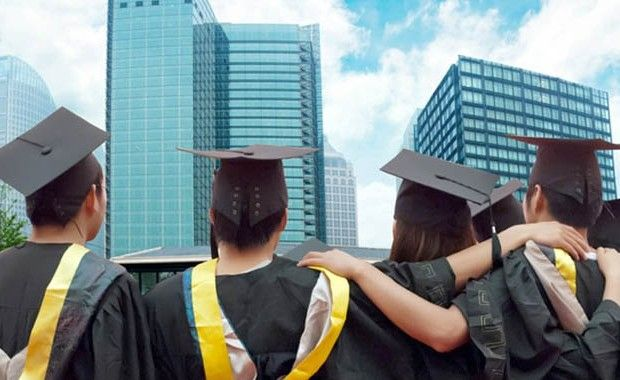 15 thoughtful college graduation gift ideas lifedaily