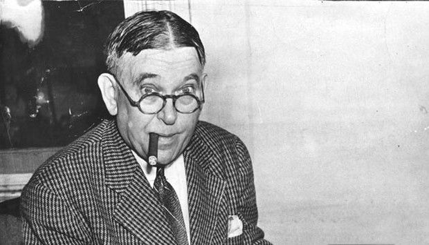essays of h.l. mencken H l mencken's campaign against bluff as in the closing essays of saturnalia in which mencken questions why americans should be joining their allies in opposing.