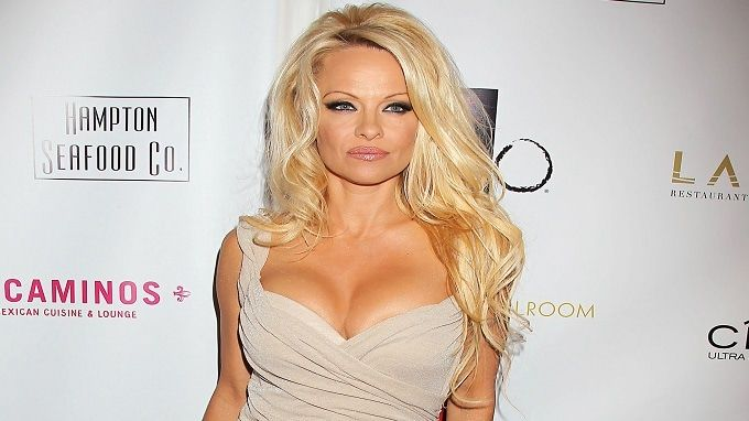 Pamela Anderson wallpaper collection