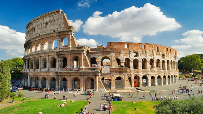 italy-colosseum-day