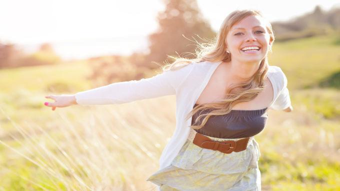 happy-girl-field