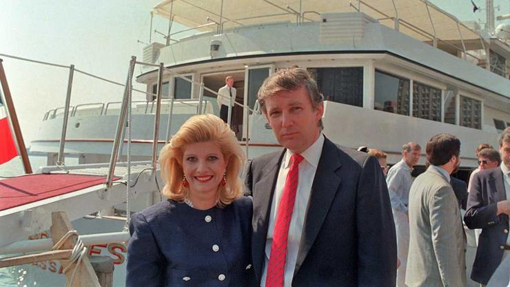 Donald Trump picture beside Yacht