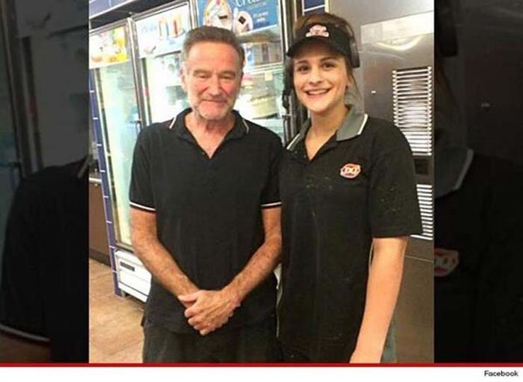 Robin Williams Posing with Fan