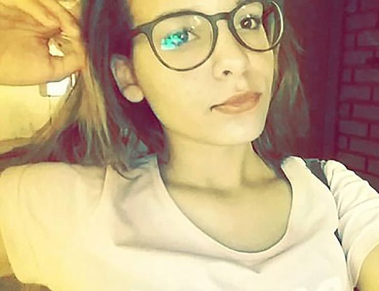 Karina Oliveira Story