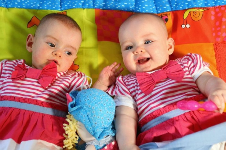 Twins Born 87 Days Apart Story