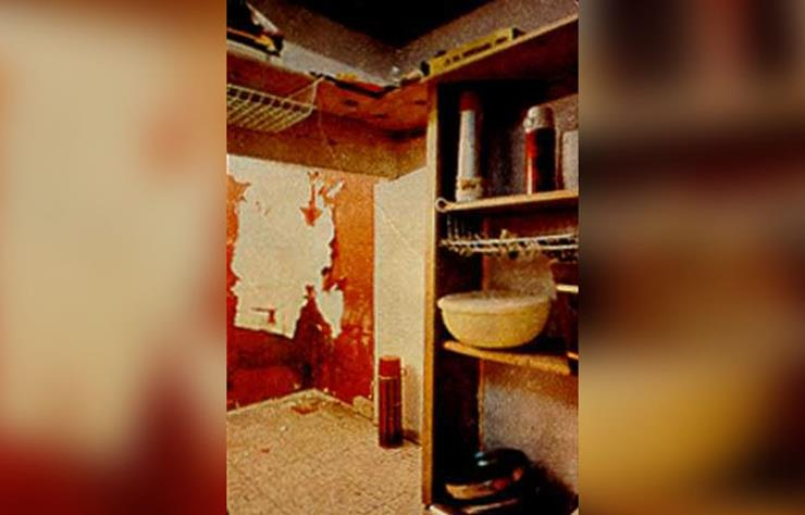 The Real Story Behind America S Most Haunted House Lifedaily
